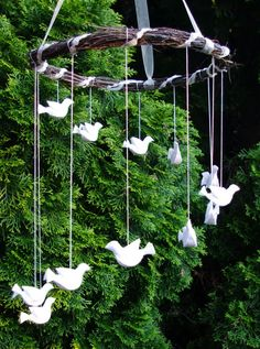 passengers on a little spaceship: whitsun felt dove mobile - could adapt it for the paperplate doves that we make Felt Crafts, Diy And Crafts, Crafts For Kids, Arts And Crafts, Paper Crafts, Felt Christmas, Christmas Crafts, Christmas Decorations, Christmas Ornaments