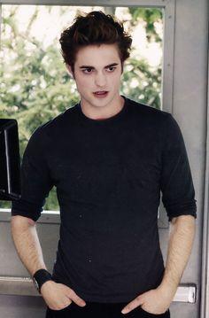 Robert Pattinson - Edward Cullen from Twilight Twilight Edward, Twilight Film, Twilight Saga Series, Twilight New Moon, Twilight 2008, Robert Pattinson Twilight, Edward Cullen Robert Pattinson, Kristen Stewart, Billy Burke