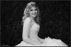 #diadème #crown #dress #blonde #hair #cute #pretty #photographie #photography #shooting #photoshoot #white #girl #fille #femme #woman #women #lady #bride #princesse #mode #fashion #amazing #robe #black #white #noir #blanc