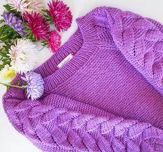 """❌Продан❌ Не смогла удержаться и связала этот популярный свитер, а вообще я редко вяжу по описаниям и """"картинкам"""". Мне нравится сам процес вынашивания и рождения идеи, а потом радоваться результату после её воплощения. P.S.По мотивам свитера от shaydullina_tanya."""