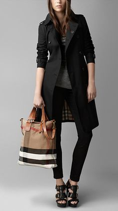 Medium Brit Check Tote Bag | Burberry (Love the whole look!)