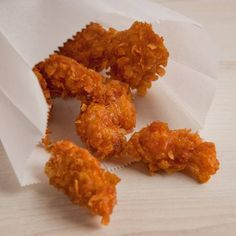 Przepis na nuggetsy w płatkach kukurydzianych, panierka jaką każdy może sam wykonać z płatek śniadniowych