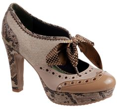 A funky little platform oxford by Poetic Licence this is sure to pump up your Fall wardrobe.