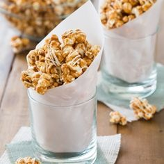 Pumpkin Pie Spice White Chocolate Caramel Popcorn - crunchy, sweet, caramely spiced perfection!