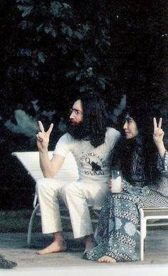 John Lennon y Yoko Ono no podían faltar en nuestro tablero de personas que nos inspiran... :)