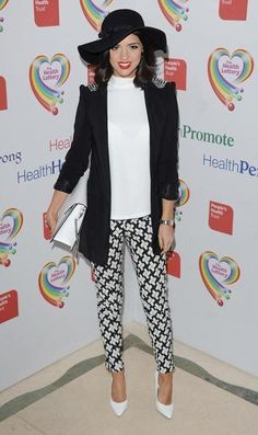 Lucy Mecklenburgh Blazer - Lucy Mecklineburgh's black blazer with peak shoulders gave her a sleek and edgy look at the Health Lottery event. Trendy Outfits, Trendy Fashion, Womens Fashion, Chloe Sims, Louise Thompson, A Girl Like Me, White Pumps, Edgy Look, Printed Pants