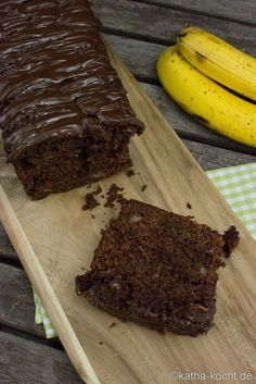 Quick chocolate banana cake out of the crate – Katha-cooks! Easy Sweets, Natural Yogurt, Love Cake, Baking Tips, Popular Recipes, Cakes And More, Sweet Recipes, Bakery, Food And Drink