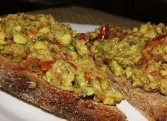 pasta z awokado i suszonymi pomidorami Guacamole, Food And Drink, Mexican, Pasta, Vegan, Ethnic Recipes, Thermomix, Essen, Vegans