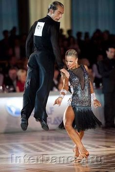 Ballroom Blitz — latindancelove: Worldchampionship 2011 love her. Ballroom Dancing, Ballroom Dress, Dance Photos, Dance Pictures, Samba, Tango Dance, Partner Dance, Dance Hairstyles, Latin Dance Dresses