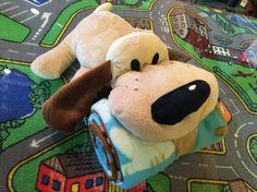 Toutou chien puppy avec doudou. 29.99$ Achetez-le: info@laboiteasurprisesdenicolas.ca Shower Bebe, Info, Dinosaur Stuffed Animal, Teddy Bear, Toys, Animals, Collection, Softies, Baby Born