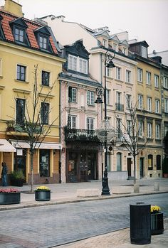 {Travel} what are your favorite places to visit in Warsaw?