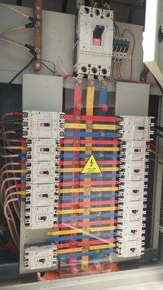 Electrical Panel Wiring, Electrical Circuit Diagram, Electrical Code, Electrical Projects, Electrical Installation, Electrical Engineering, Electronics Projects, Deco, Electronic Gifts For Men