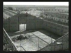 En esta foto de M.Valderas de principio de los ´40 vemos el nuevo almacén del molino y detrás las casas de colonización, todavía R.Beca no quería vender solares.