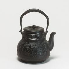 Japan-Art - RYÛBUNDÔ Tetsubin  - Teewasserkessel aus Gusseisen.