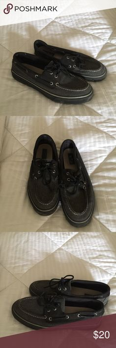 Gray Sperry boatshoes Gently worn Grey boat shoes. Looking for a new and happy  home Sperry Shoes Boat Shoes