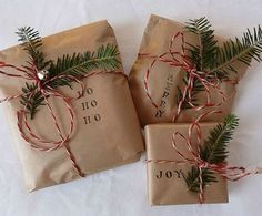 Christmas Decorations Ideas Bringing The Christmas Spirit into Your Living Room simple Christmas gift wrap: brown paper, stamps, evergreen and twine!simple Christmas gift wrap: brown paper, stamps, evergreen and twine! Noel Christmas, Merry Little Christmas, Winter Christmas, Cheap Christmas, Elegant Christmas, Simple Christmas Gifts, Christmas Ideas, Etsy Christmas, Christmas Gift Wrapping