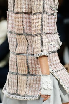 Chanel Spring 2014 Ready-to-Wear Collection Photos - Vogue