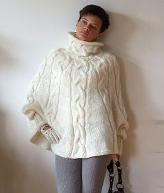 Hand knitted poncho braided cape sweaterfall fashion by couvert Knit Shrug, Chunky Knit Cardigan, Poncho Sweater, Knitted Poncho, Sweater Outfits, Poncho Knitting Patterns, Hand Knitting, Sweater Patterns, Pantalon Cigarette