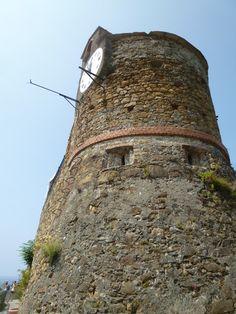 """""""Castello"""", Riomaggiore, Liguria Italia (Luglio) Riomaggiore, Monument Valley, Nature, Travel, Italia, Naturaleza, Viajes, Destinations, Traveling"""