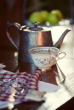 """my-very-own-life-in-the-woods: """"Cottage tea… """" Coffee Break, Coffee Time, Morning Coffee, Tea Time, Coffee Cups, Tea Cups, Coin Café, Tea And Books, Cuppa Tea"""