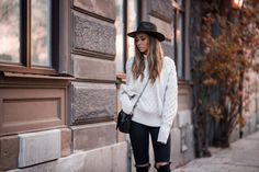 Lisa-Olsson-knitted-outfit-3