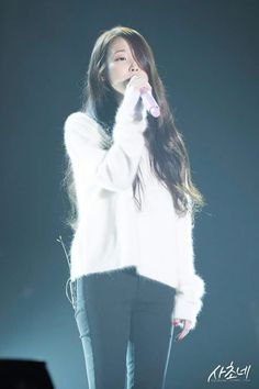 IU 151206 Concert CHAT-SHIRE