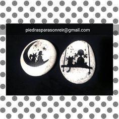 #piedrasparasonreir #cats #moon #stonepaintingart #artstone #stonepainting #rockstone #stonesrock #globalrockspainting #paintingrocks #handmade #hechoamano #piedraspintadasamano #piedraspintadas #amigoinvisible #handpaintedrocks
