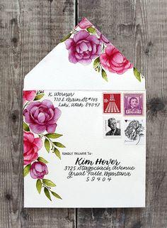 Watercolor Floral Envelope (No-Line Watercoloring) Mail Art Envelopes, Cute Envelopes, Decorated Envelopes, Addressing Envelopes, Pen Pal Letters, Letter Art, Letter Writing, Envelope Art, Envelope Design