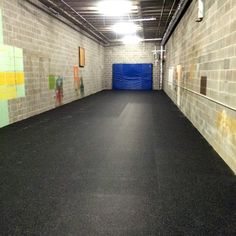 Economical rolled rubber flooring option, 4 ft wide rolls inch with color confetti. Use this inch rubber flooring in gym and athletic floors. Rubber Garage Flooring, Garage Floor Mats, Garage Floor Epoxy, Garage Flooring Options, Home Gym Flooring, Basement Flooring, Diy Flooring, Cheap Flooring Ideas Diy, Basement Gym
