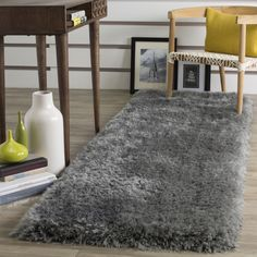 Safavieh Luxe Shag Hand-Tufted Grey Polyester Runner Rug (2' 3 x 10') (SGX160C-210), Size 2' x 10'