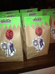 Plants vs Zombies easy favor bag, glue on cut out of choice. Zombie Birthday Parties, Leo Birthday, Zombie Party, Plants Vs Zombies, P Vs Z, Laser Tag Party, Hulk Party, Plant Zombie, Party Favor Bags