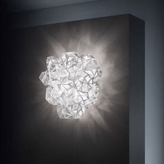 drusa-plafondi-prisma Italian Lighting, Modern Lighting, Lighting Design, Lighting Companies, Lighting Manufacturers, Hanging Lights, Wall Lights, Ceiling Lights, Ceiling Light Design