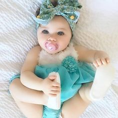 Cool Baby, Cute Little Baby, Unique Baby, Baby Girls, Cute Baby Girl, Baby Love, Cute Babies, Newborn Girl Outfits, Baby Girl Dresses