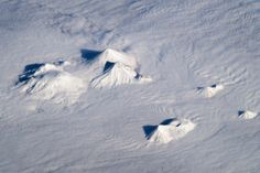 Image from http://eoimages.gsfc.nasa.gov/images/imagerecords/79000/79696/ISS033-E-018010_lrg.jpg.
