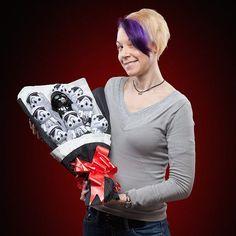 日本のバレンタインでは、女性が男性にチョコレートを贈るのが習慣になっていますね。海外では、男性が女性に花束のブ […]