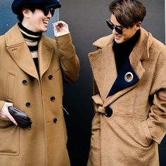 Daily updates of the freshest looks from NYFW, courtesy of the boys and our photog Tyler Joe. Mens Fashion Blog, Fashion Bags, Fashion Trends, Autumn Street Style, Cool Street Fashion, Boys, Baby Boys, Fashion Handbags, Children