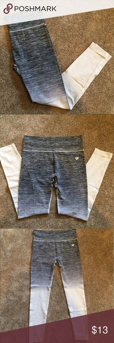 Ombré leggings Grey to white ombré leggings. Super stretchy and comfortable material! Worn only a few times. Great condition. Make me an offer! Pants Leggings