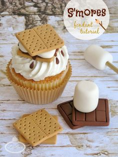 Celebrate National S'mores Day With This Fun S'mores Fondant Tutorial
