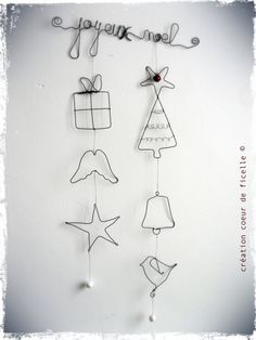 Wire X mas Ornaments Christmas Makes, Noel Christmas, All Things Christmas, Handmade Christmas, Christmas Ornaments, Wire Crafts, Christmas Projects, Holiday Crafts, Diy And Crafts