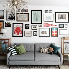 Interior Planning Tips Tricks And Techniques For Any Home. Interior design is a topic that lots of people find hard to comprehend. However, it's actually quite easy to learn the basics of effective room design. Interior Design Living Room, Living Room Designs, Living Room Decor, Bedroom Decor, Kitchen Interior, Wall Collage, Frames On Wall, Gallery Wall Frame Set, Wall Art