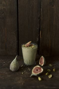Pistachio Fig Smoothie using homemade pistachio milk Fig Smoothie, Smoothie Drinks, Healthy Smoothies, Healthy Drinks, Smoothie Recipes, Simple Smoothies, Dessert Arabe, Pistachio Milk, Non Alcoholic Drinks