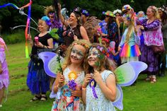 Dates of the Top 18 Family Friendly Festivals 2018 - Mini Travellers - Family Travel & Family Holiday Tips Festival Dates, Festival Camping, Family Holiday, Faeries, Friends Family, Family Travel, Mini, Festivals, Style