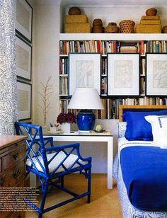 Elle Decor - blue faux bamboo chair, white desk, art, baskets, blue porcelain lamp and . Love using bookshelves as a wall Elle Decor, Bright Painted Furniture, Painted Chairs, Casas En Atlanta, Chippendale Chairs, Sweet Home, Faux Bamboo, Painted Bamboo, Guest Bedrooms