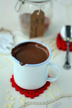 Domowa gorąca czekolada... Cocoa Chocolate, Homemade Hot Chocolate, Can I Eat, Polish Recipes, Food Blogs, Delicious Desserts, Food Porn, Food And Drink, Sweets