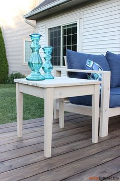 Outdoor side table - Free Plans   rogueengineer.com #OutdoorSideTable #OutdoorDIYplans