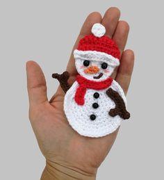 Diy Crafts - Snowman Applique Crochet Crochet pattern by Mindundia Mindundia Crochet Christmas Wreath, Crochet Christmas Decorations, Crochet Snowman, Christmas Applique, Crochet Ornaments, Christmas Knitting Patterns, Holiday Crochet, Christmas Crafts, Crochet Santa