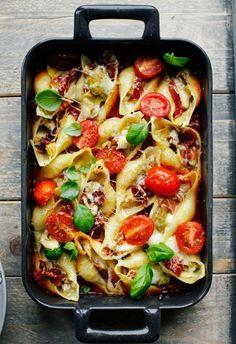 My Favorite Recipes: Artichoke, Prosciutto and Gruyere Baked Pasta Shells