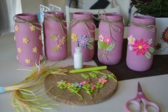 DIY decorative jars with quilling flowers