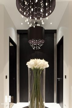 kelly hoppen new project in circus road Kelly Hoppen New Project in Circus Road Decor Style Kelly Hoppen Regal Homes Kelly Hoppen Interiors, Interior Architecture, Interior And Exterior, Deco Luminaire, Deco Floral, Home Decor Styles, Modern Luxury, Luxury Homes, Home Accessories