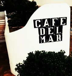 Cafe Del Mar - everybody nows the sound...